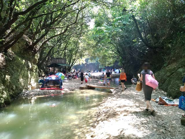 奥水間 川遊び